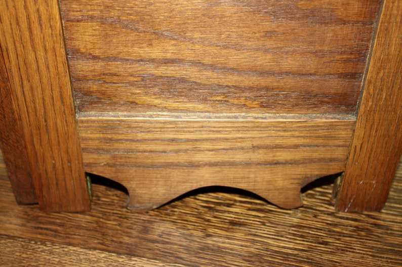antique salesman sample or child/'s small piece of furniture made of oak with one drawer and storage area underneath.