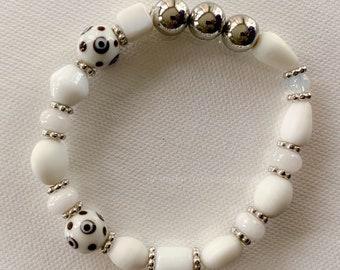 White Porcelain and Glass Stretch Bracelet (202124B)