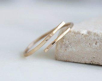 Minimalist 14k Gold Filled or Sterling Silver Ring / Hammered Ring, Stacking ring / Everyday Ring