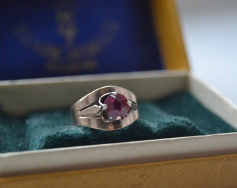 00dfbc1c1a91f3 Soviet vintage ring, Gilt sterling silver ring, Vintage ring with synthetic  ruby, Russian sterling jewellery, vintage silver collectibles