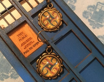 Doctor Who Gallifrey One Marriot Carpet Photo Cabochon Earrings Antique Bronze metal
