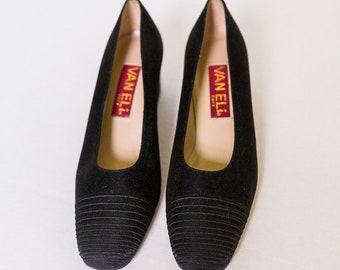 9bc5e7cca067 Like New Vintage Van Eli East Black Heels