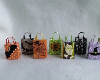 miniature halloween bags and other decorations 112th dollhouse scale