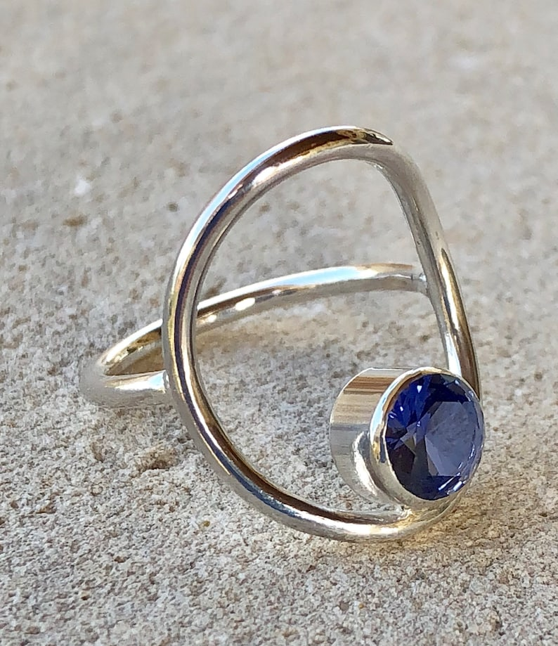 Circle Ring with Stone image 0