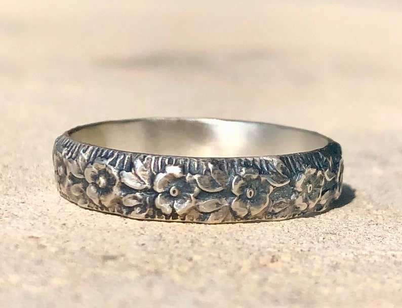 Silver Band Patterned Silver Ring Silver Flower image 0