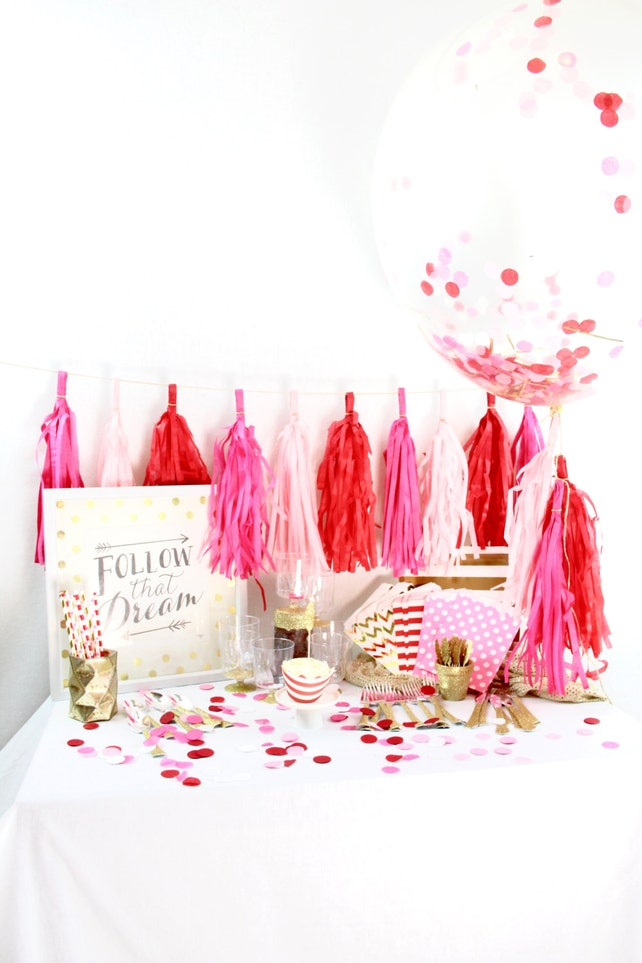 Roses Are Red 9 Person Party Box Pink White Gold Glitter Package First