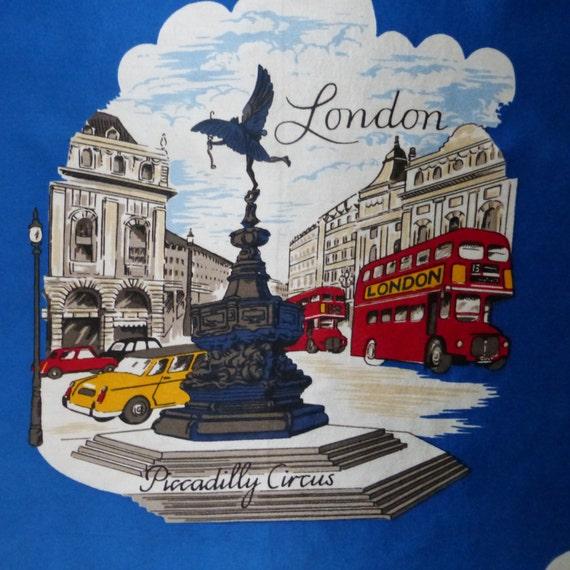 London / England / royal blue / souvenir / vintage