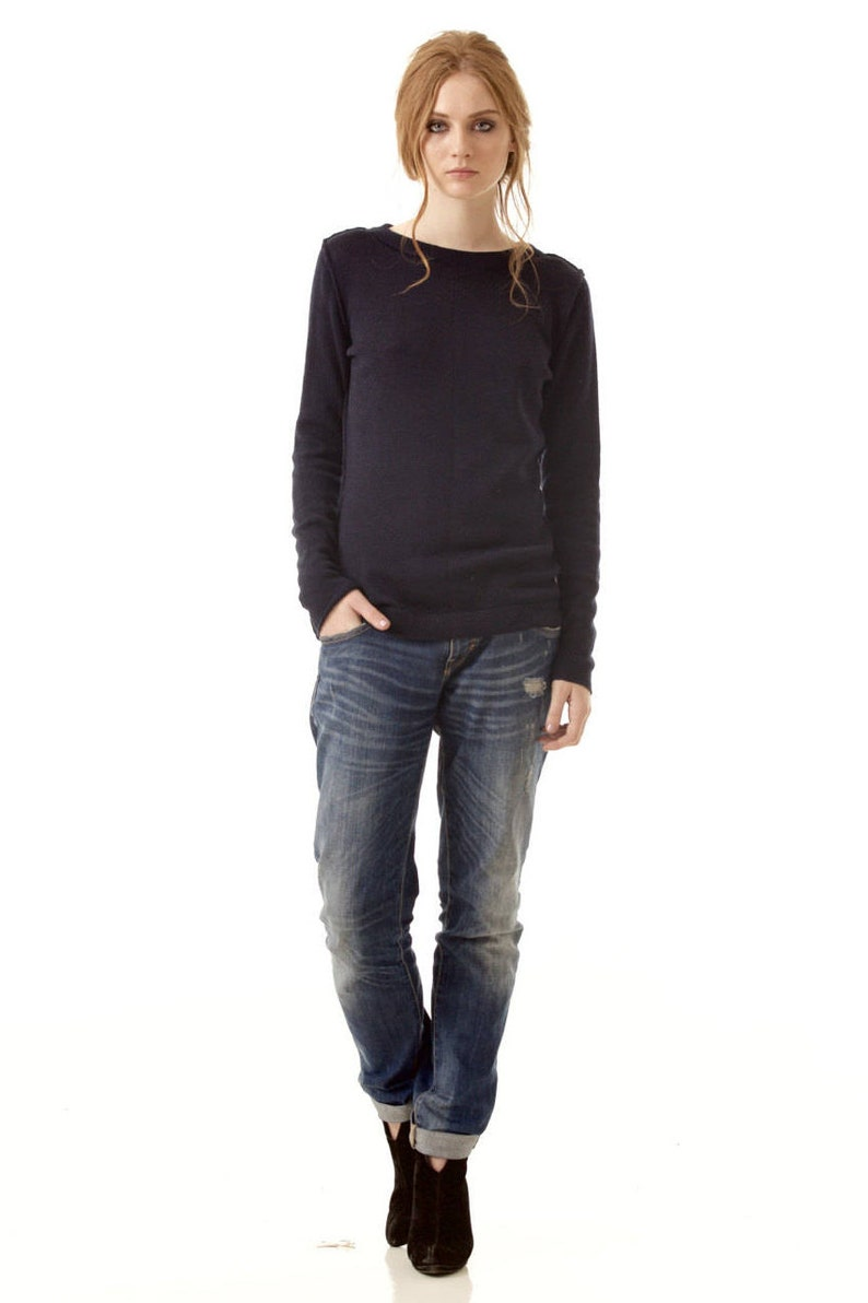 552dbbdcddc Black cashmere sweater   Crew neck sweater   Womens cashmere