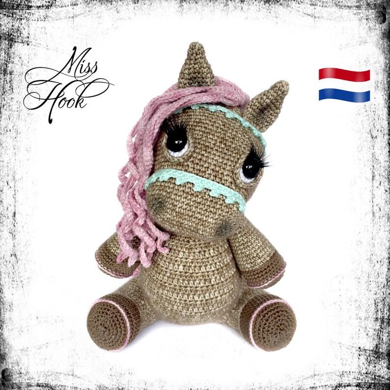 crochet pattern pony horse Hazel amigurumi PDF Dutch image 0