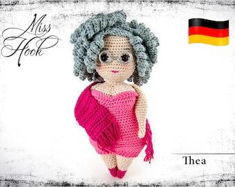 "crochet doll pattern ""Thea"" granny, grandmother, eBook PDF (german language) Curvy Girls"