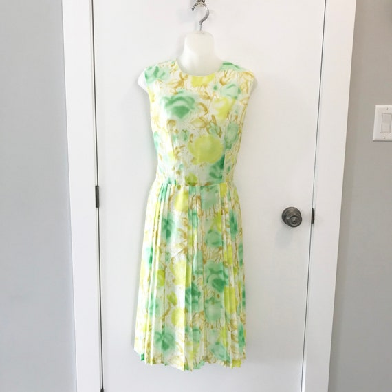 Lovely vintage summer day dress