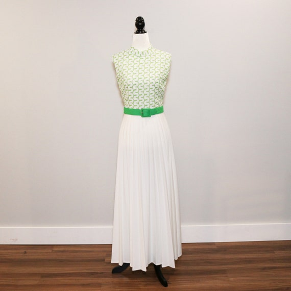 Vintage 1970s Sleeveless Green Dress