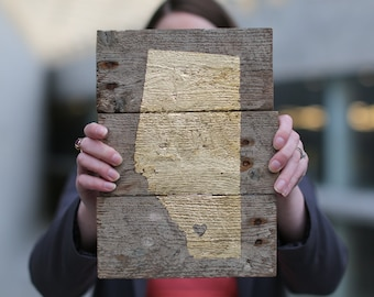 Alberta Province Sign / Gold Leaf AB Outline / Reclaimed Pallet Wood Decor / Heart Location Indicator / Customized Wall Hanging / Mini