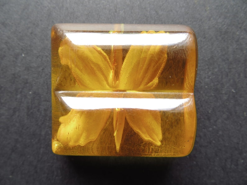 1920/'s RARE Antique Art Deco Amber Applejuice Bakelite Collectible Button-Butterfly Reverse Carving 35mm x 32mm