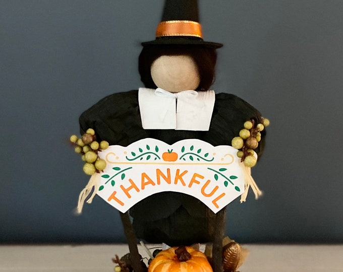 New Male Pilgrim Doll. Handmade Doll. Corn Husk Pilgrim. Thankful Sign. Thanksgiving Table. Fall Gifts. Unique Autumn Decor. Farmhouse Decor