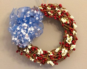 Small Grapevine Wreath. Small Patriotic Wreath. Red White and Blue. Independence Day. Berry Wreath. Stars and Stripes. Americana Flag Wreath