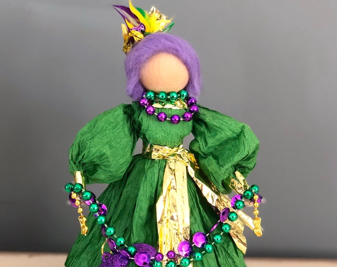 Handmade Mardi Gras Doll. Country Doll. Unique Mardi Gras Decor. OOAK Collectable Dolls. Fat Tuesday Party Decor. Corn Husk Doll. Beads