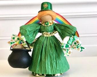 Irish Doll. Luck of the Irish. Pot of Gold. Irish Gifts. St Patrick's Day. Corn Husk Doll. Country Doll. Shamrock Decorations. Handmade Doll