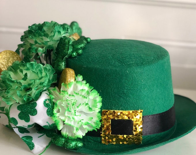 Leprechaun Hat Decorations. St Patrick's Day Table Decor. Irish Decorations. Four Leaf Clover. Luck of the Irish. St Paddy's Day. Shamrocks