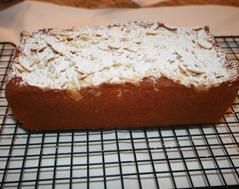 Lemon bread with almond topping