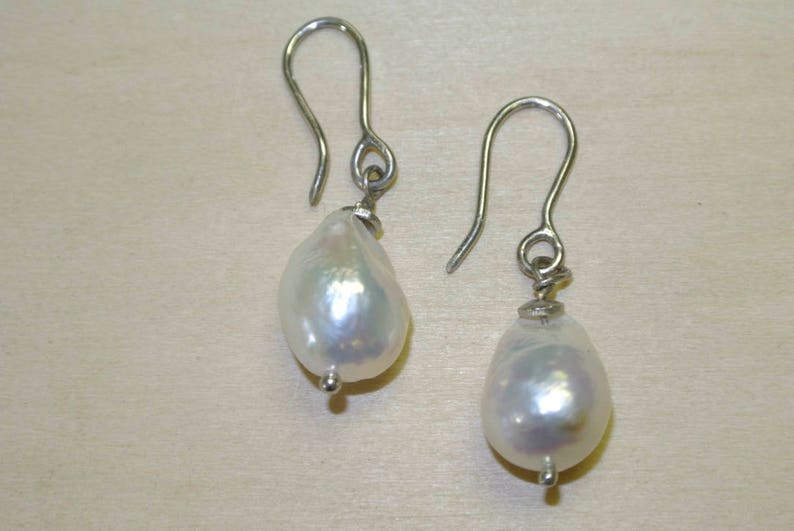 FREE SHIPPING Freshwater Pearl sterling silver earrings