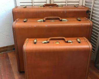 Vintage Set of 3 Faux Leather Samsonite Luggage~Vintage Luggage, Vintage Storage, Vintage Travel, Movie Prop, Vintage Samsonite, Luggage Set