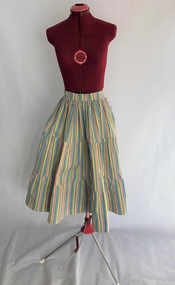 Vintage Patterned Circle Skirt~ Vintage Fashion, W