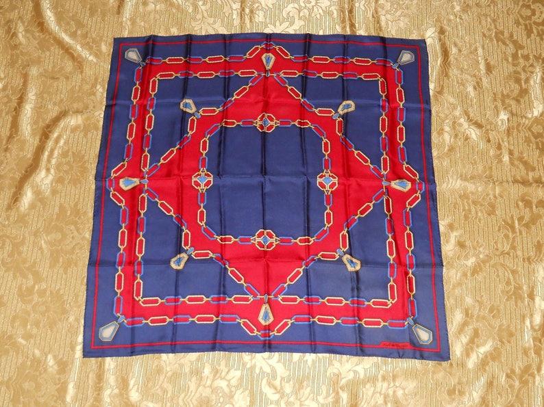 e8b53a01964 Authentique foulard Must de Cartier vintage soie