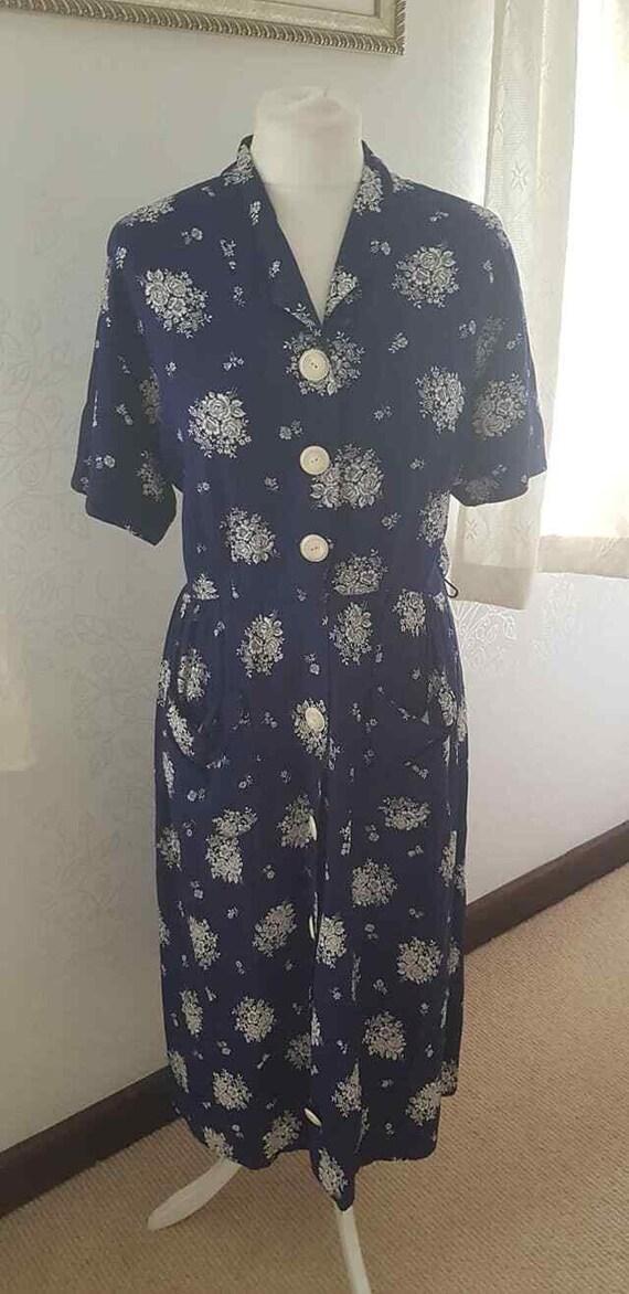 Volup Alert!  1940s Dress in Rare XL Size