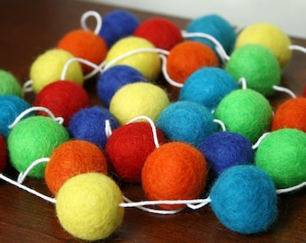 Primary Colors Felt Ball Garland, Gender Neutral Baby Shower, Nursery Decoration, Birthday Party Banner, Sesame Street Party Decor