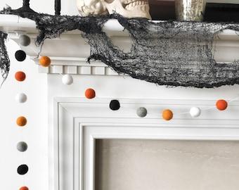 Halloween Garland, Orange Grey and Black Felt Ball Garland, Ghost and Pumpkin Pom Pom Garland, Halloween Banner, Halloween Party Decor