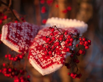 Multicolor patterned mittens in red and white- handknitted mittens- winter mittens