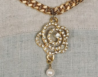 Rhinestone Camelia Flower pendant with drop pearl gold plated diamond cut curb chain 18-inch necklace