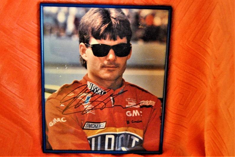 JEFF GORDON DUPONT SIGNATURE NASCAR FRAMED 8 X 10 PHOTO