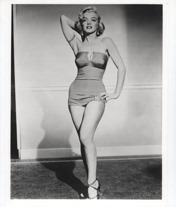 Marilyn Monroe Swimsuit Pose Glossy Photo 8 X 10 Black Etsy