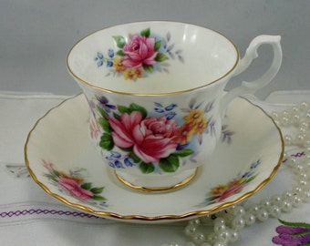 Royal Albert Teacup & Saucer, Summertime Series, Fine Bone China made in England in 1970s.