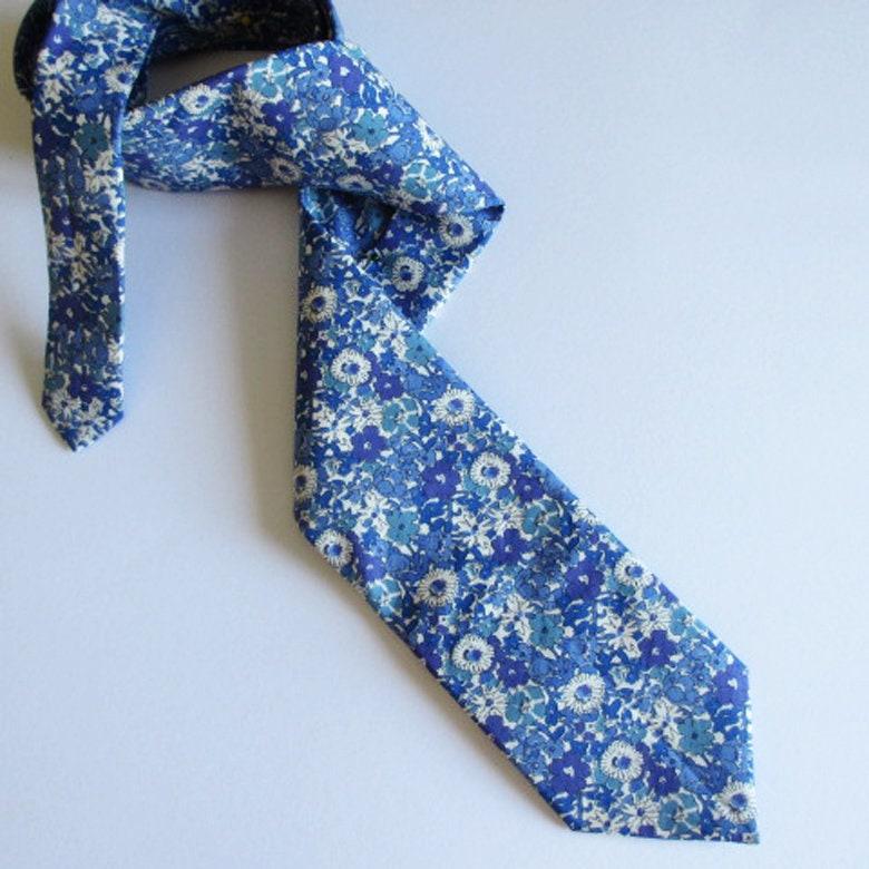 ~ Hommes Des Cravate Bleu Floral Les Coloris nxpBwgxq