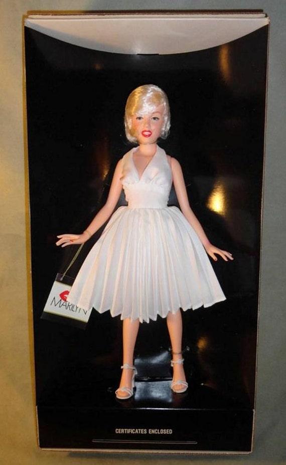 VINTAGE 1982 Glitter Girls Vogue Dolls LOT OF 6 Jade Doll Shoes Bridal NEW NIB