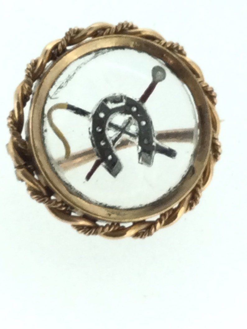 Antique Reverse Intaglio Gold Cased Brooch Pin Crop Lucky Horseshoe