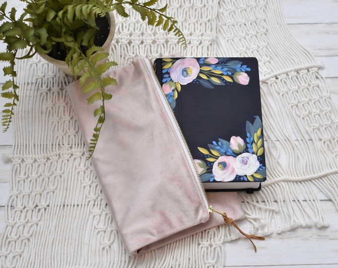 Hand Painted Bible // Baptism Gift // Graduation Gift// Wedding Detail // Personalized Keepsake