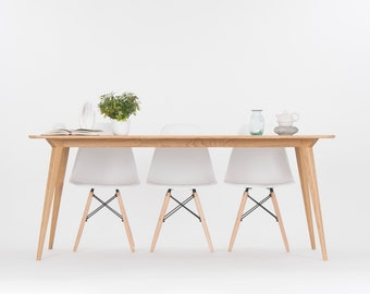 Extending dining table, extendable table made of oak wood