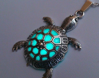 Sea Turtle Necklace - Turtle Jewelry - Sea Turtle Glowing Necklace - Beach Jewelry - Turtle Pendant - Glowing Jewelry - Gifts for Her