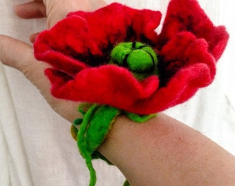 Poppy felted bracelet