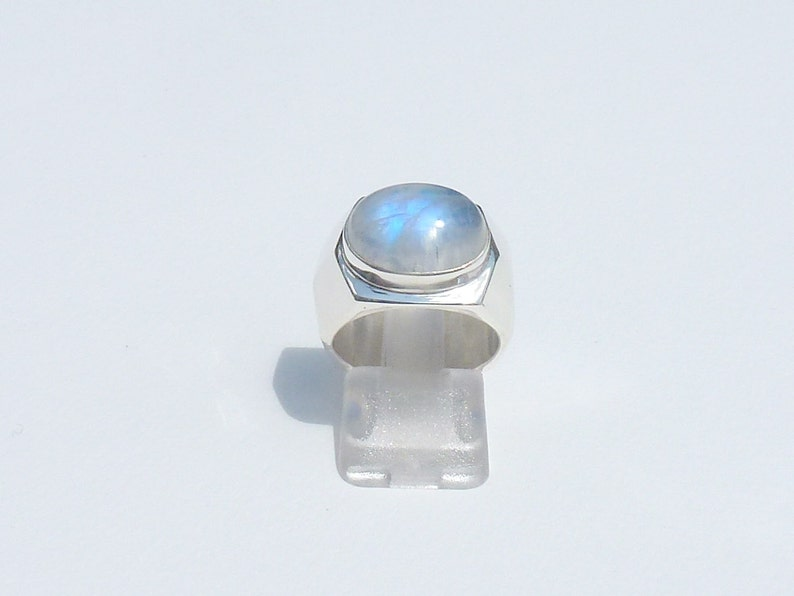 925 Silver White Rainbow Moonstone Natural Gemstone Ring Jewelry Accessories Highest Seller Gift Stacking Ring Natural Gemstone Round cabochon Rainbow Moonstone Rings