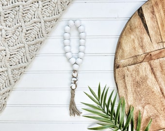 White and Chippy White  Bead Loop