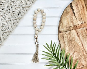 Natural and Chippy White  Bead Loop