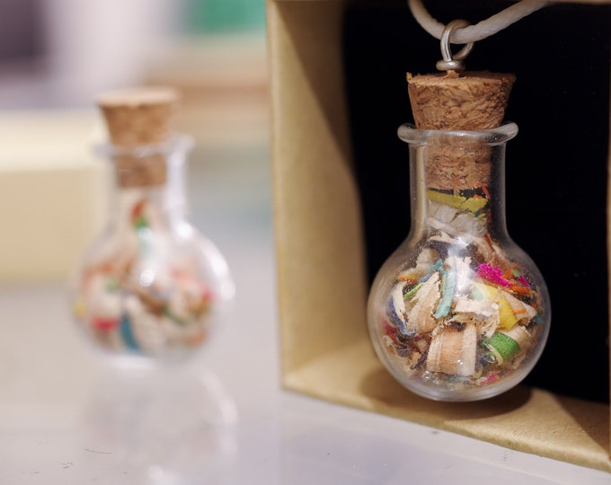 Recycled SKATEBOARD pendant 7PLIS, glass jar and wood chips color, handmade