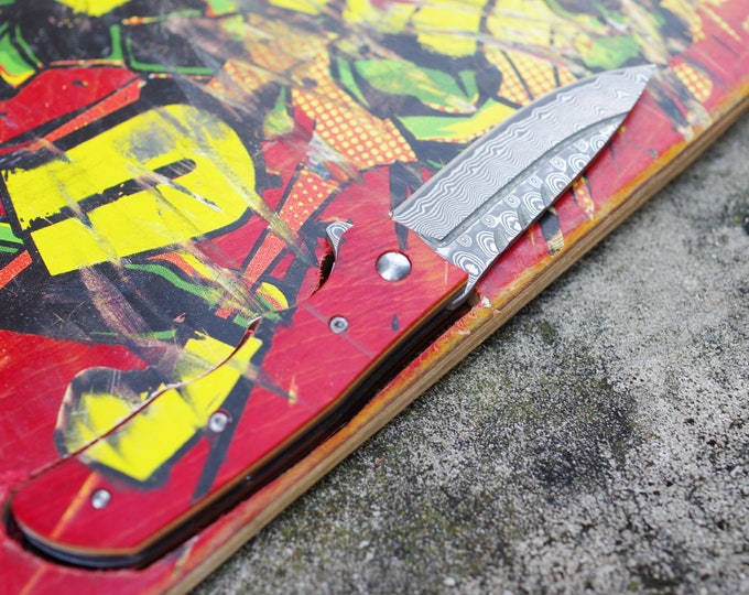 Recycled handle knife, wood skateboard black and red, handmade