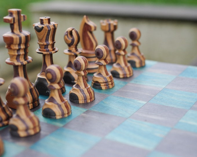 Recycled SKATEBOARD chess game, 7PLIS turquoise black purple black wood