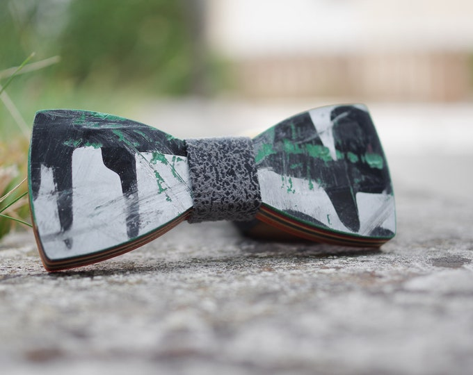 Bow tie recycled from black green #skateboard